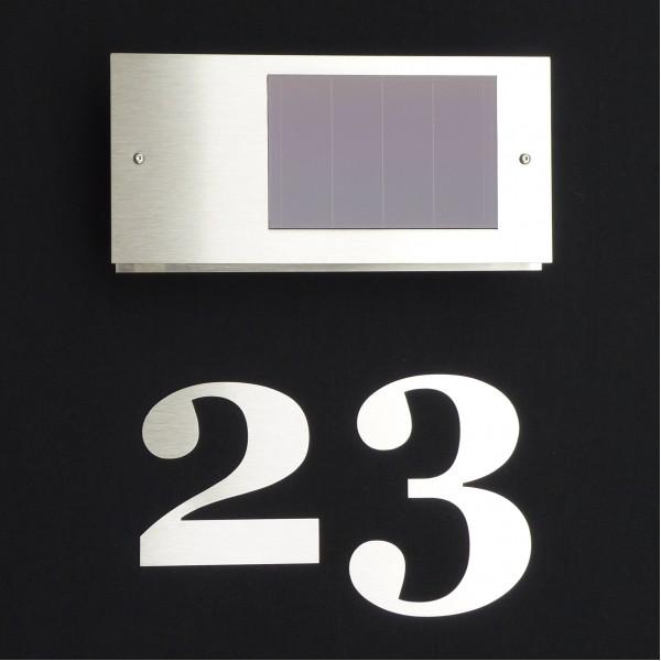 Hausnummern aus Edelstahl beleuchtet mit Solar